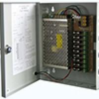 ספק כוח ממותג עם פיוזים להגנה מפני נחשולי חשמל